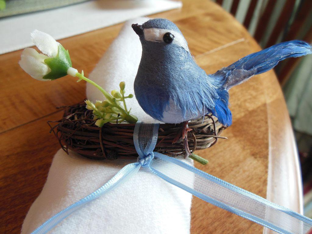 Bird napkin ring - close up