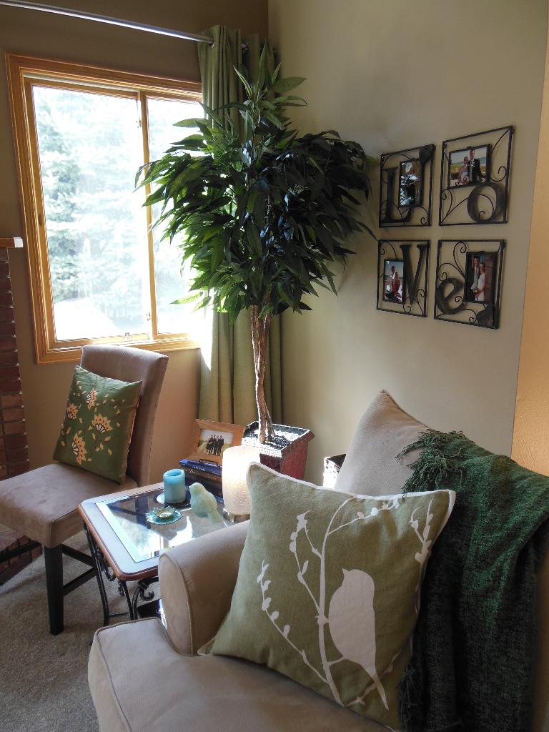 Spring living room corner 2015